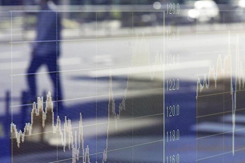 الأسهم الأمريكية تتراجع وسط تأهب لأي تلميحات من الفيدرالي بشأن سحب التحفيز