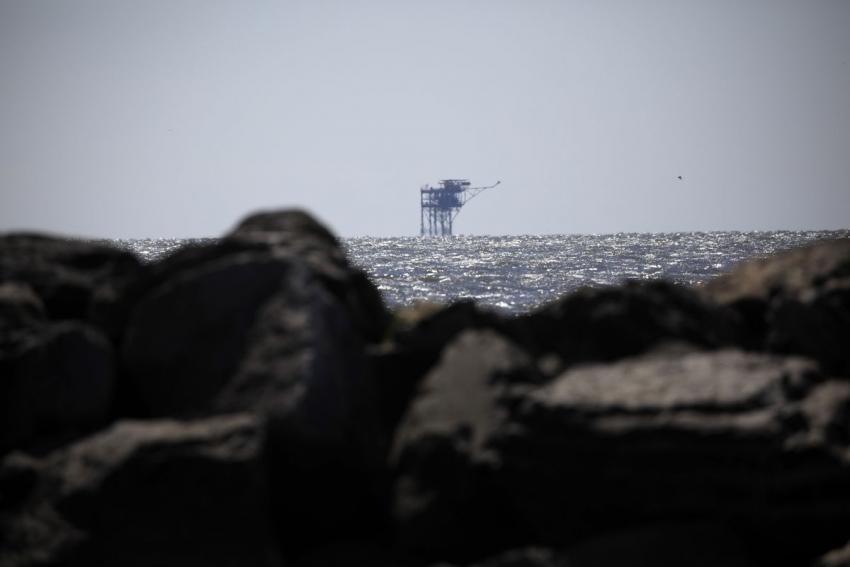 بنك أوف أمريكا يتوقع بلوغ النفط 100 دولار للبرميل العام القادم