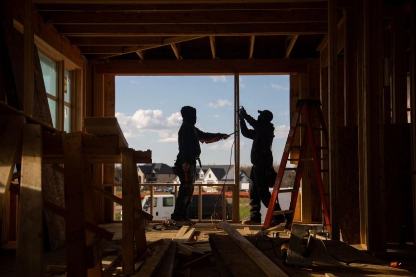 ثقة شركات البناء الأمريكية تهبط في يوليو إلى أدنى مستوى في 11 شهر
