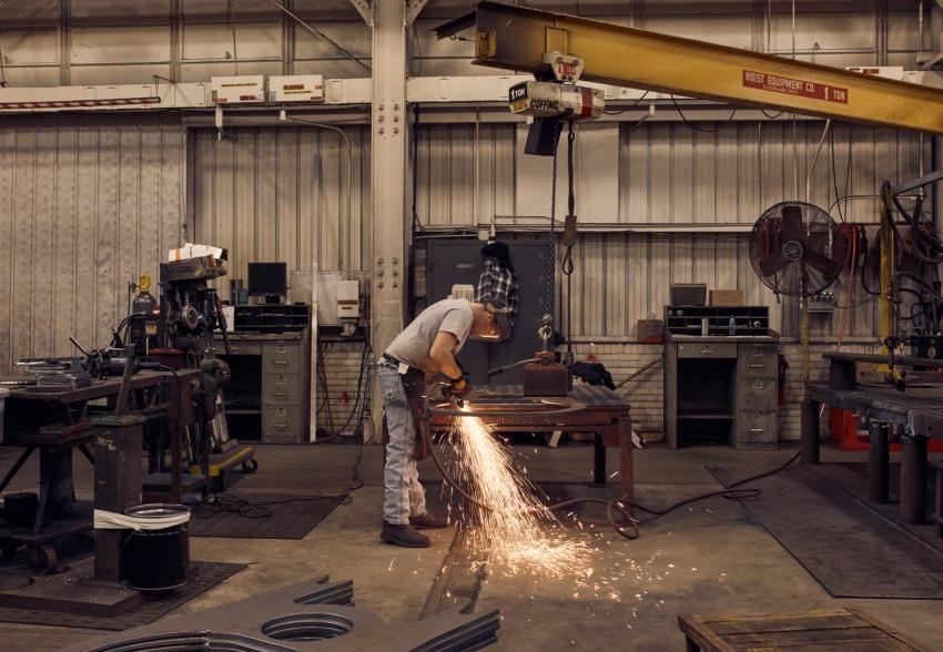 نشاط قطاع التصنيع الامريكي يقفز في مارس إلى أعلى مستوى منذ 1983
