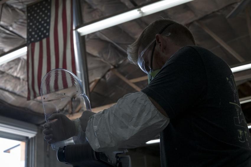 قطاع التصنيع الأمريكي يرتفع لأول مرة في 4 أشهر لكن لازال دون ال50 نقطة