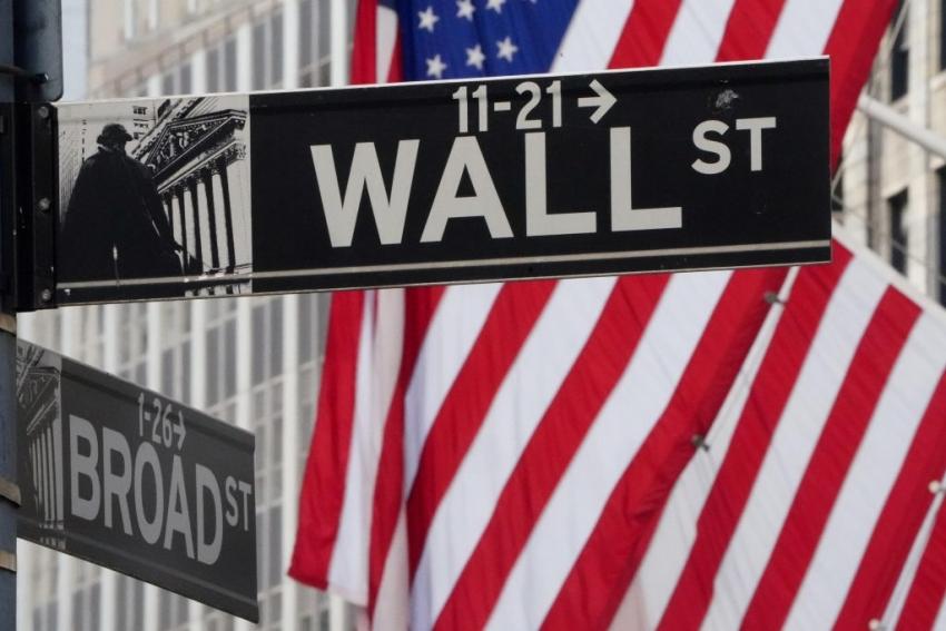 الأسهم الأمريكية بصدد إختتام الأسبوع على خسائر بعد بيانات مخيبة