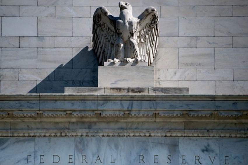 الفيدرالي يقول أن نقص المواد الخام وصعوبات التوظيف يعوقان التعافي