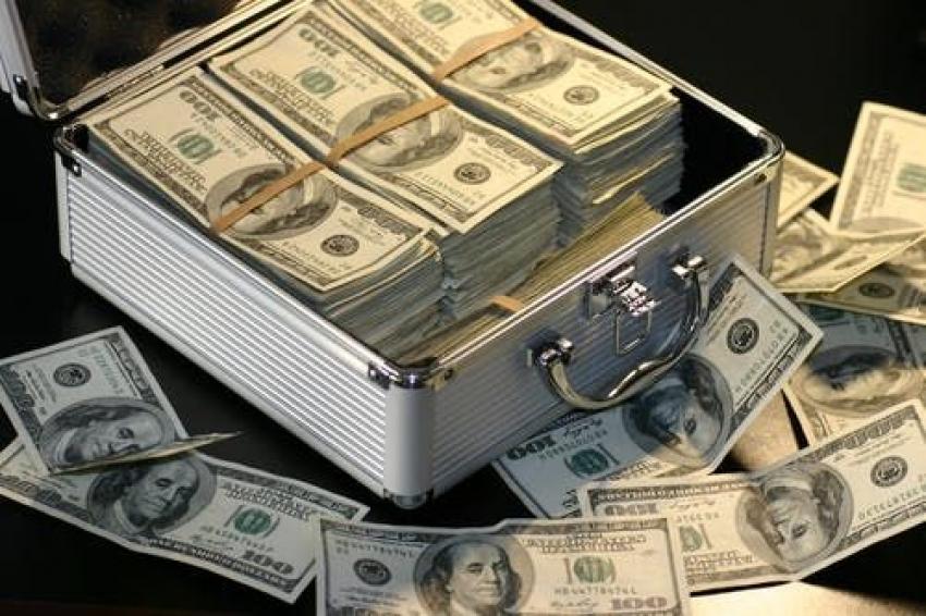 بعد صدمة الوظائف....الدولار يعود إلى المربع الأول