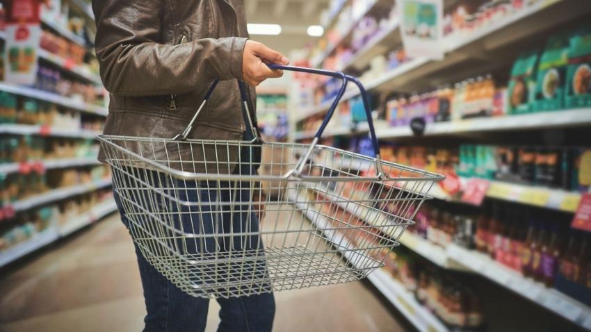 التضخم في بريطانيا يرتفع إلى أسرع وتيرة في ستة أشهر