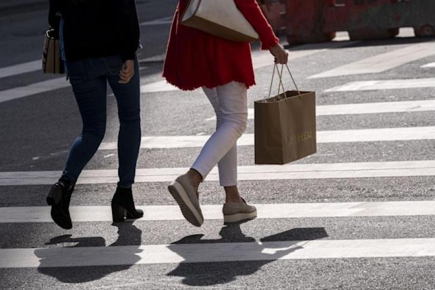 ثقة المستهلك الأمريكي تخيب التوقعات في سبتمبر