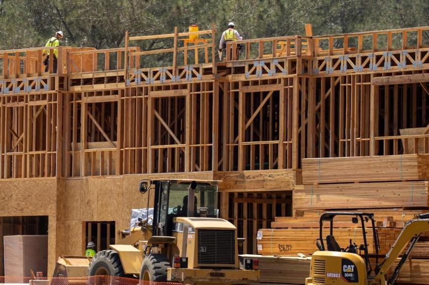 إنفاق البناء في أمريكا يهبط إلى أدنى مستوى منذ عام في يونيو