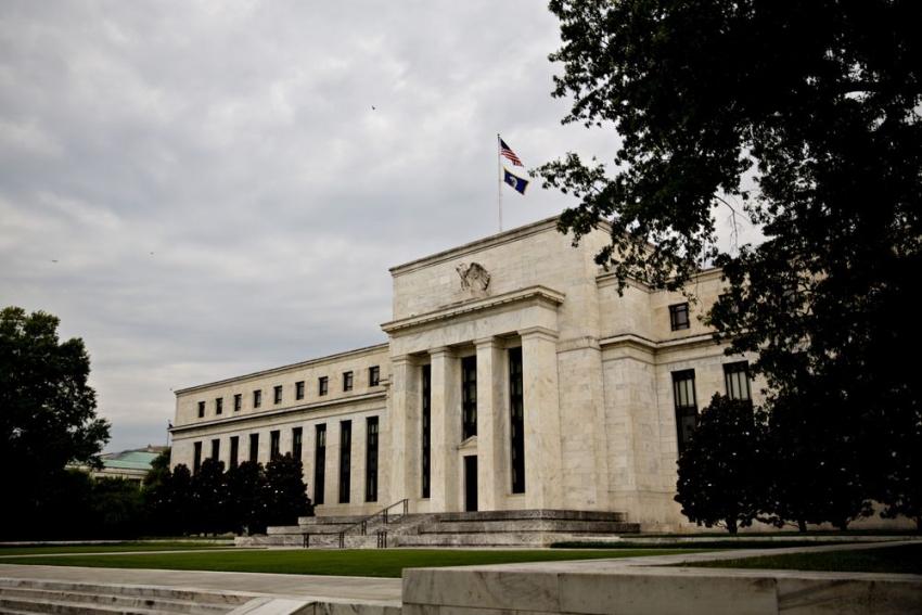 التركيز في محضر الفيدرالي على تدخلات البنك في سوق الريبو وتوقعات التضخم