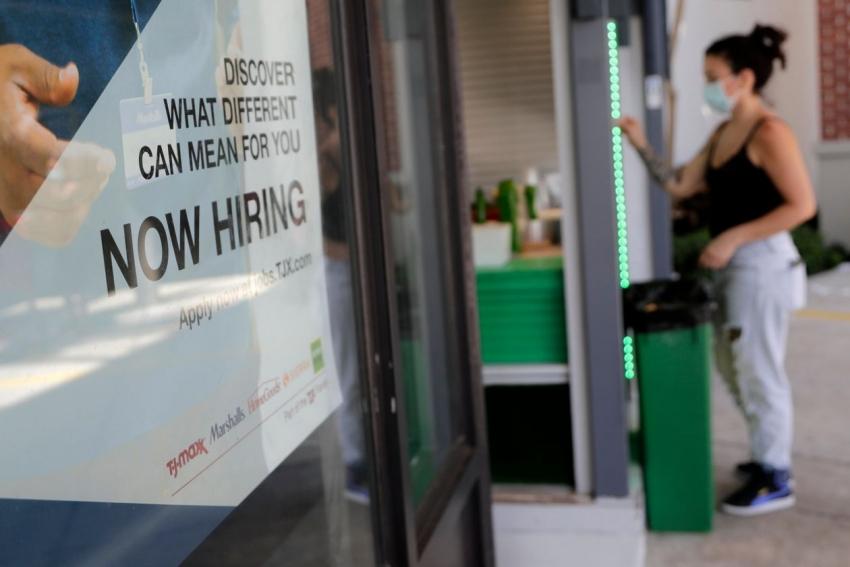 بعد إضافة 1.8 مليون وظيفة، سوق العمل بأمريكا تستعيد أقل من نصف الوظائف المفقودة