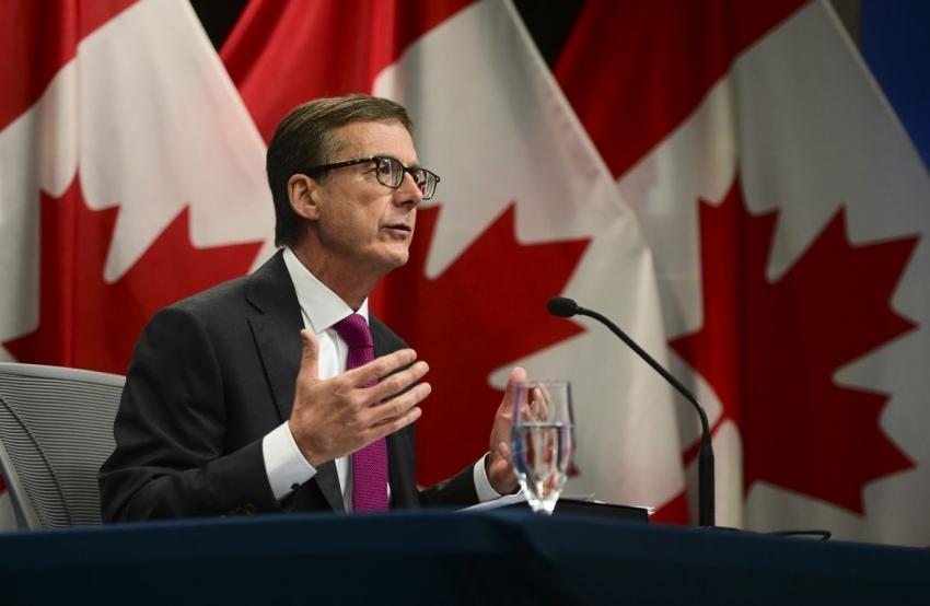البنك المركزي الكندي يبقي سياسته دون تغيير بعد إنكماش اقتصادي صادم
