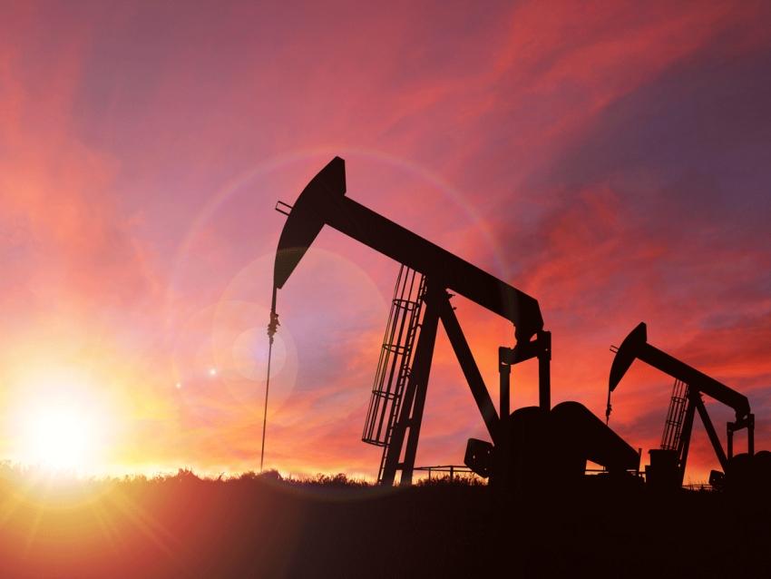 يرتفع النفط في الوقت الذي يتحدث فيه ترامب عن هدنة آمال في حرب أسعار بين السعودية وروسيا