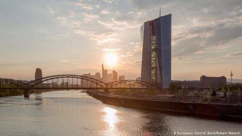 المركزي الأوروبي يعلن زيادة أكبر من المتوقع لمشتريات السندات