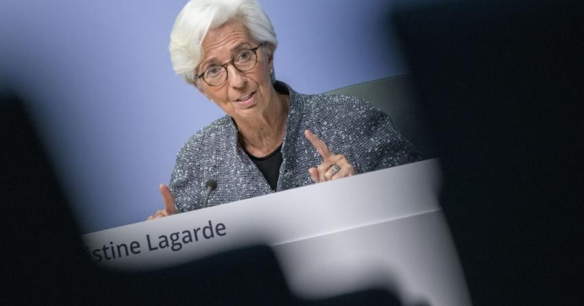 لاجارد تشير إلى أن المركزي الأوروبي يراقب أداء اليورو لكن بدون إنزعاج