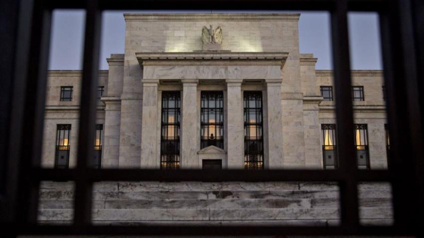 الفيدرالي يبقي أسعار الفائدة قرب الصفر ويكرر التعهد بإستخدام كل أدواته
