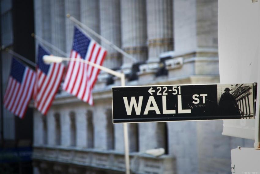 الأسهم الأمريكية ترتفع صوب مستويات قياسية بعد تقرير الوظائف