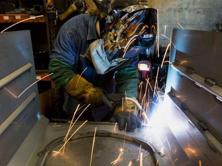 نمو الوظائف الأمريكية يخيب كل التوقعات ومعدل البطالة يرتفع