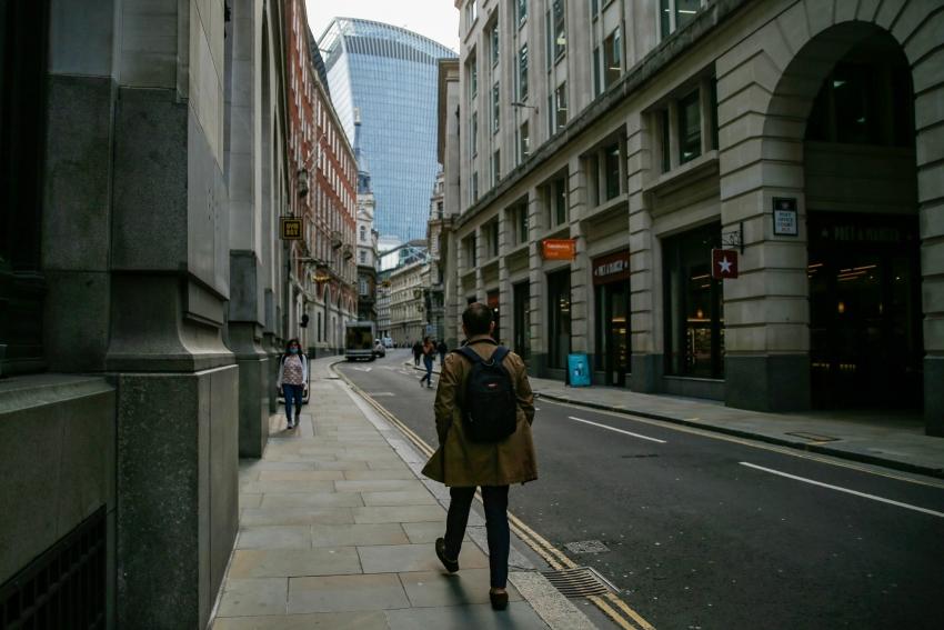 بريطانيا تفقد 700 ألف وظيفة من تحت وطأة الوباء وتوقعات بقفزة في البطالة