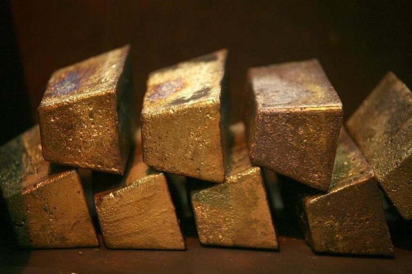 إستقرار الذهب بعد اتفاق أمريكا والصين، والبلاديوم يقفز 5%