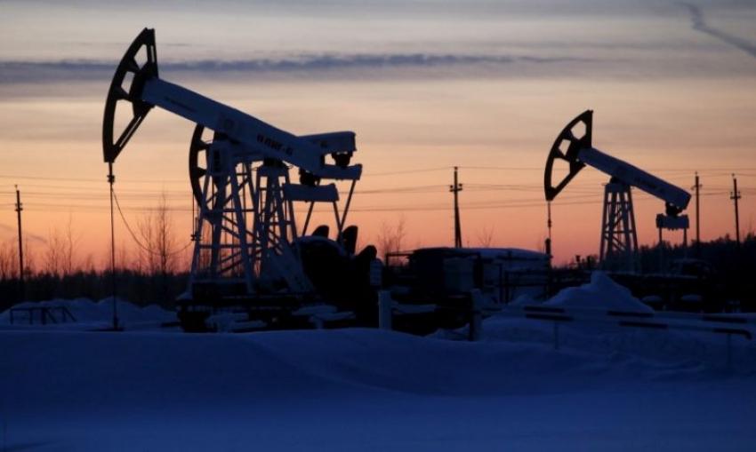 انخفاض النفط بنسبة 1%