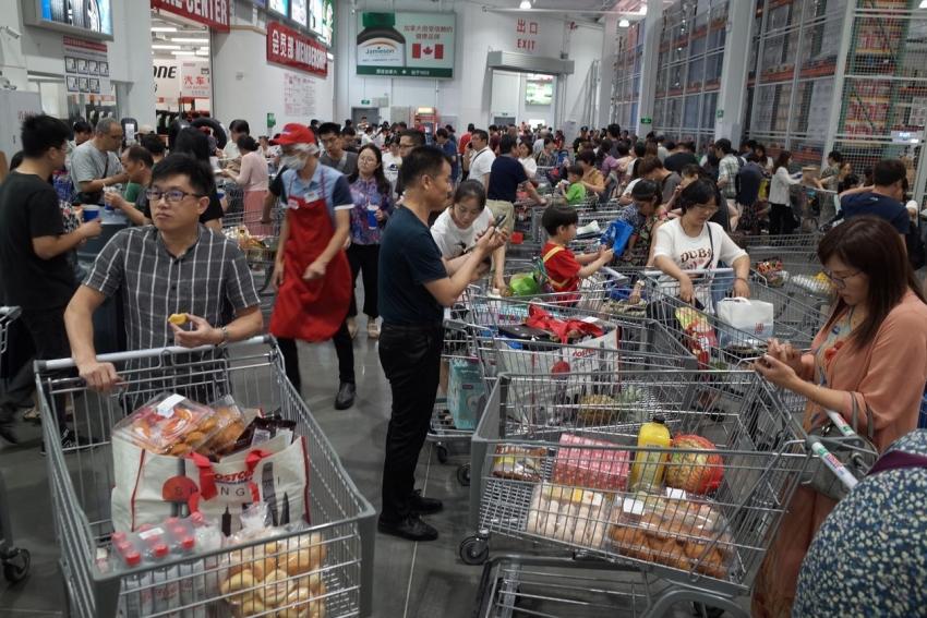 تعافي الاقتصاد الصيني يتسارع في أغسطس مع عودة إنفاق المستهلك