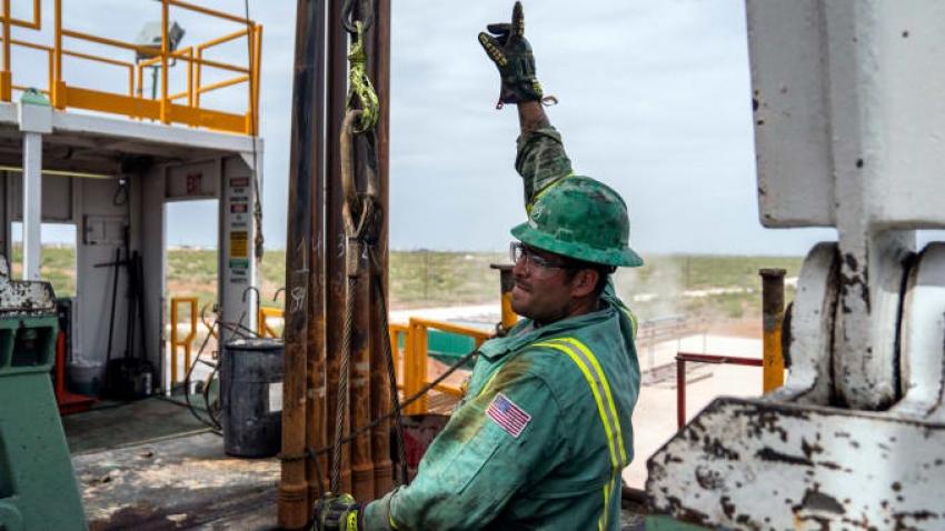 إدارة معلومات الطاقة: إنتاج الولايات المتحدة من النفط سيرتفع في 2020 إلى مستوى قياسي جديد