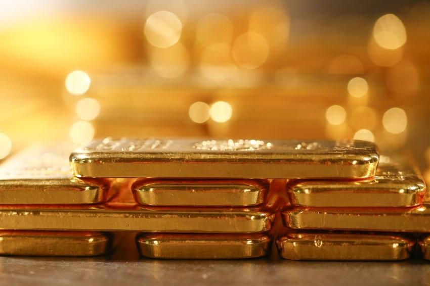 الذهب يتراجع وسط تركيز على بيانات التضخم الأمريكية