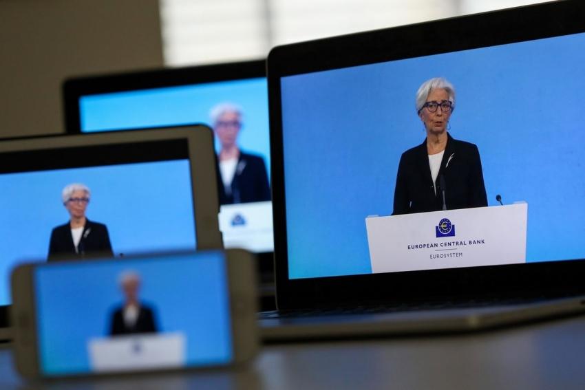 المركزي الأوروبي يتمسك بالتحفيز المكثف رغم تحسن التوقعات