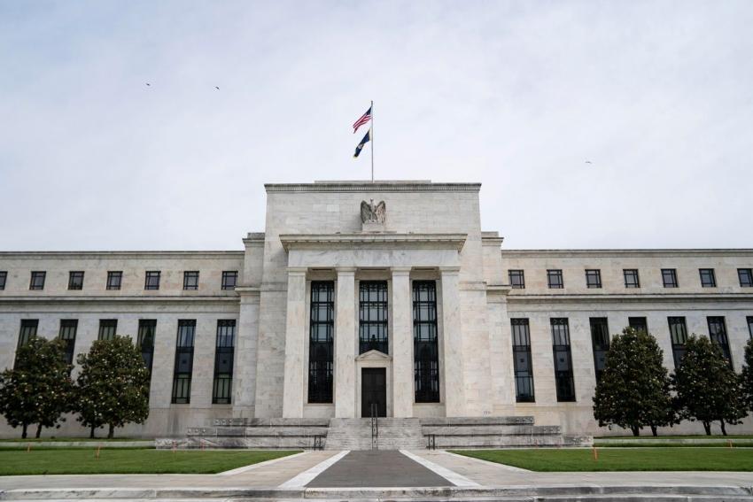 مسؤولو الفيدرالي ربما يتنبأون بزيادة الفائدة في موعد أقرب من المتوقع في السابق