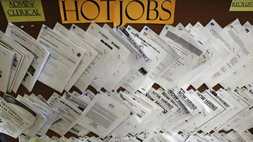طلبات إعانة البطالة في أمريكا دون 500 ألف لأول مرة منذ بداية كورونا