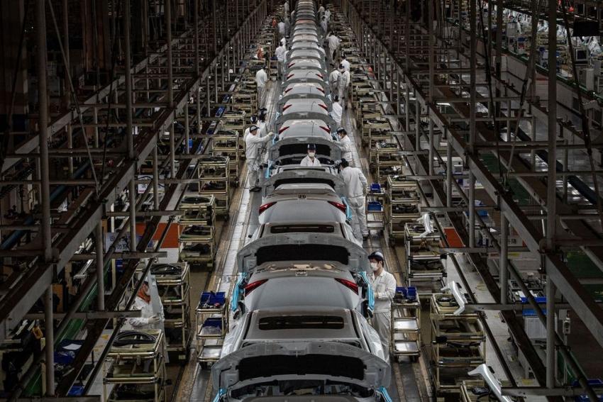 نشاط المصانع حول العالم يشهد أحد أسوأ شهوره على الإطلاق في مارس