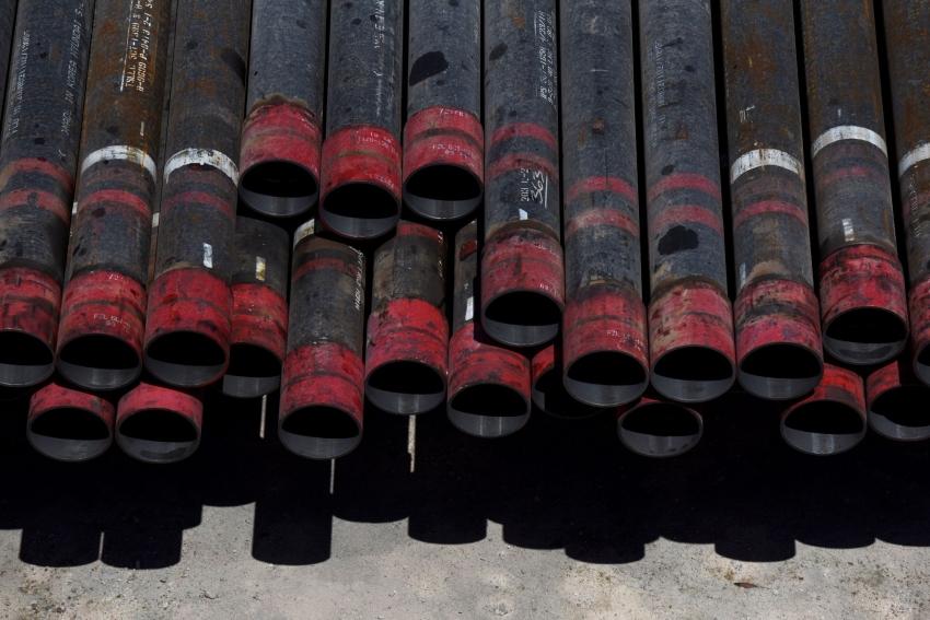 النفط يهبط إلى أدنى مستوى في شهرين وسط تهديد للطلب من الفيروس المتفشي في الصين