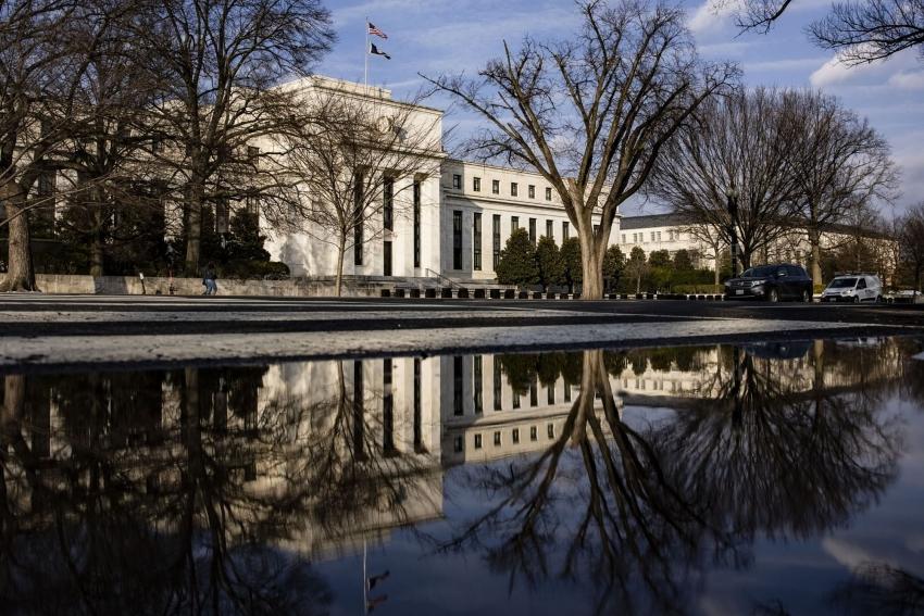 الاحتياطي الفيدرالي يرى تقدماً نحو تلبية شروط سحب التحفيز