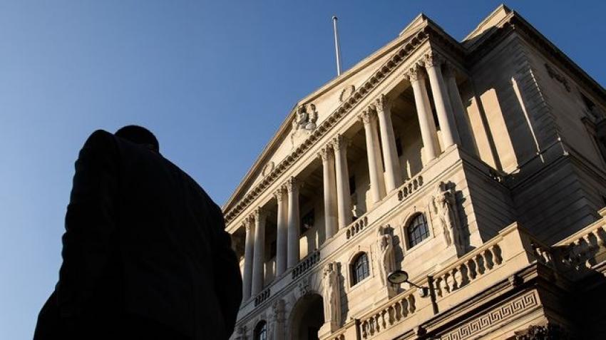 بنك انجلترا يدرس تبني أسعار الفائدة السالبة مع تزايد المخاطر الاقتصادية