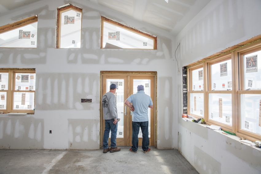 معنويات شركات البناء الأمريكية تسجل أفضل أداء لشهرين متتاليين منذ 1999
