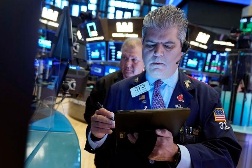 بعد خسائر فادحة في السوق الصينية ...الأسهم الأمريكية تتراجع