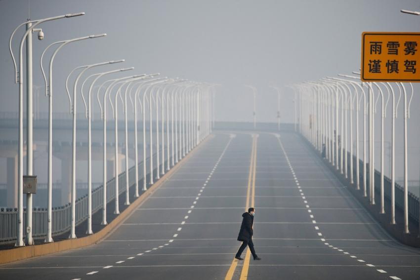 وضع 600 ألف نسمة قيد العزل في وسط الصين مع عودة ظهور حالات إصابة بكورونا