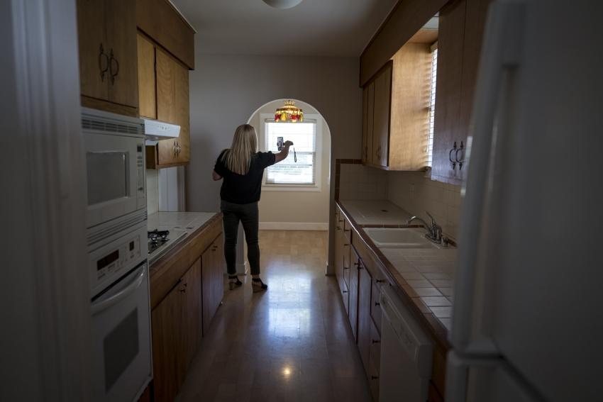 انخفاض مبيعات المنازل الأمريكية المملوكة في السابق وسط قفزة في الأسعار